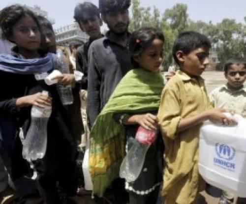 Grupos cristãos levam ajuda à vítimas de enchente no Paquistão