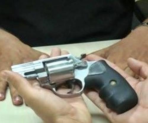 Igrejas ajudam a recolher armas em SP
