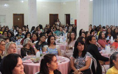 Cerca de 320 mulheres participam de chá na IEAD