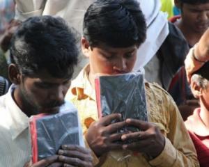 Sem acesso à Bíblia, cristãos presos em Cuba e culto on line é interrompido em Curitiba