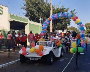 UCADLI faz Drive Thru no Dia das Crianças