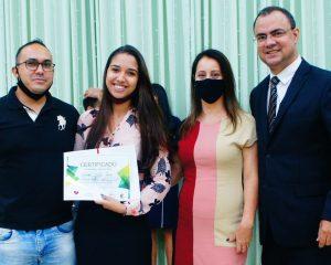 Casais recebem certificados de curso pré-nupcial em Artur Nogueira