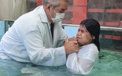 Confira as fotos do batismo